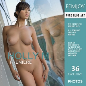 Holly M - Premiere